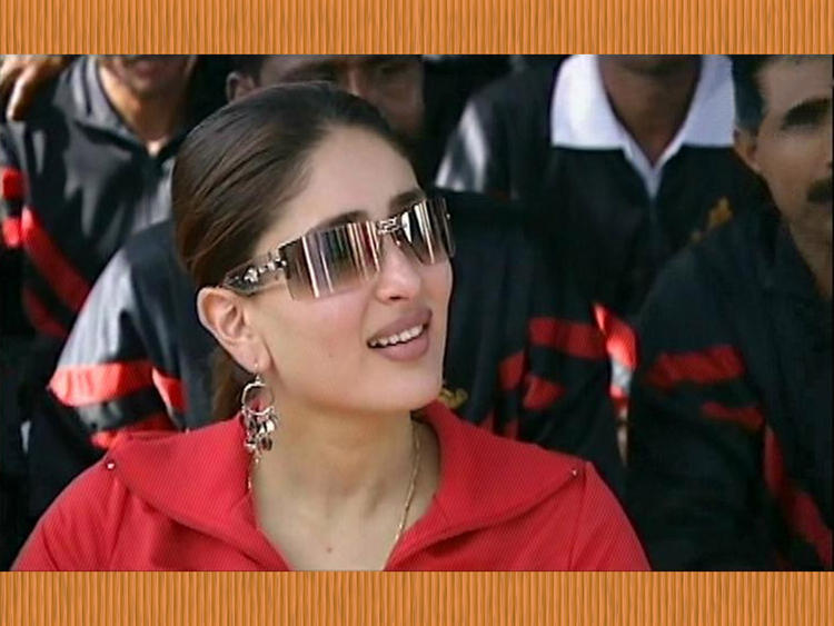 Kareena Kapoor Wearing Goggles Cute Still