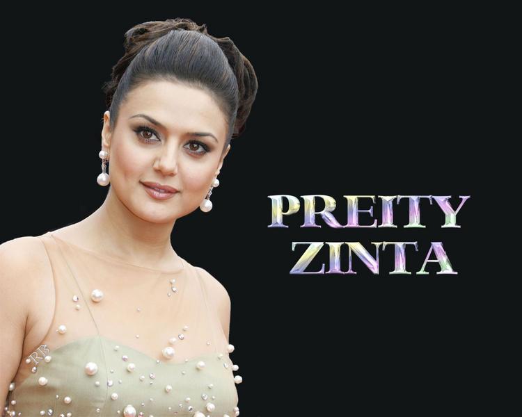 Preity Zinta Attractive Glowing Face Look Wallpaper