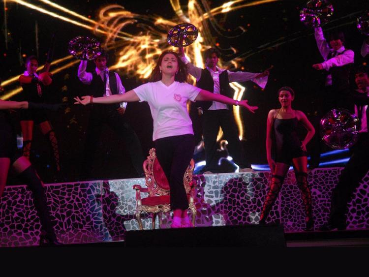 Preity Zinta Hot Performance Still On Stage