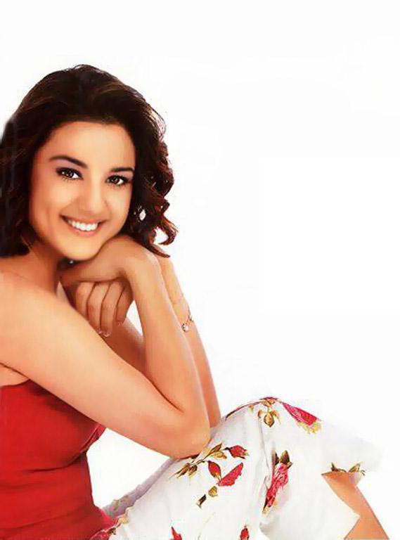 Preity Zinta  Latest Cute Pose Photo Shoot