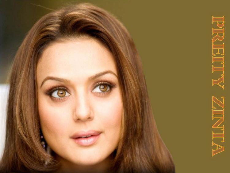 Preity Zinta Sizzling Romancing Look Wallpaper