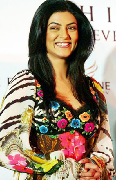 Smiling Beauty Sushmita Pic