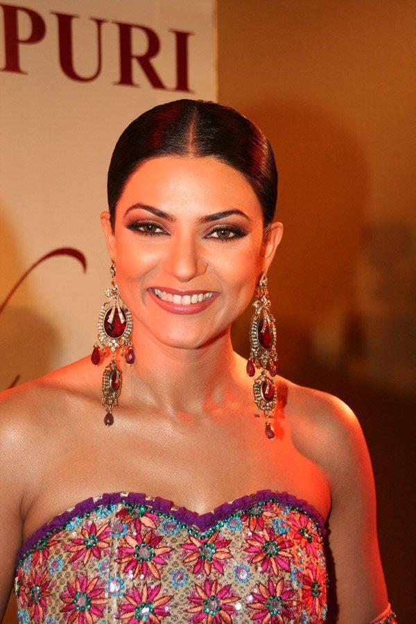 Sushmita Sen Strapless Dress Smiley Face Still