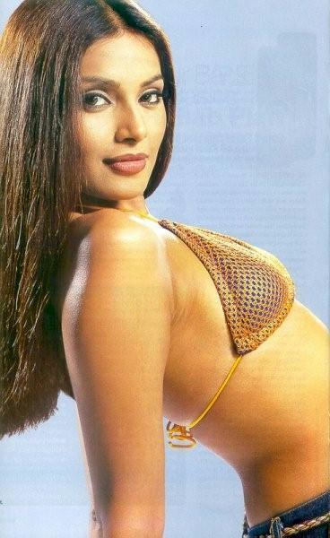Bipasha Basu Sexy Wallpaper