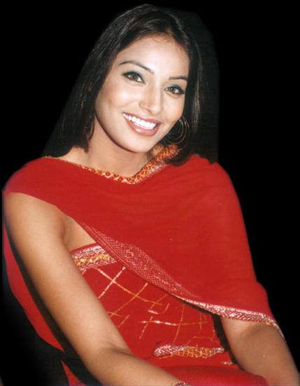 Bipasha Basu Sweet Smiling Pics