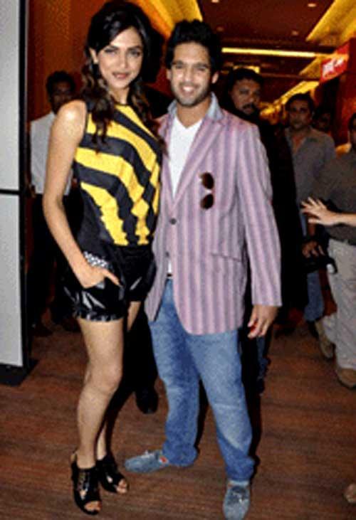 Deepika Padukone and Saif Latest Photo