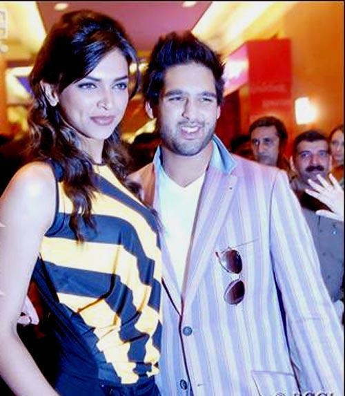 Deepika Padukone and Siddharth Sweet Smile Pic