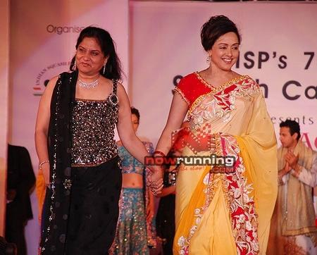 Hema Malini And Nisha Sagar Smiling Pics