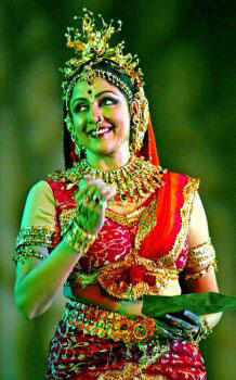 Hema Malini Classical Dancing Pose Stills