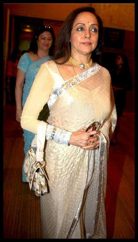 Hema Malini In Saree Simple Pics