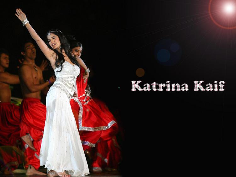 Katrina Kaif Dancing Look Wallpaper