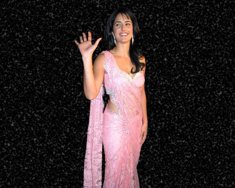 Katrina Kaif Latest Wallpaper In Pink Saree