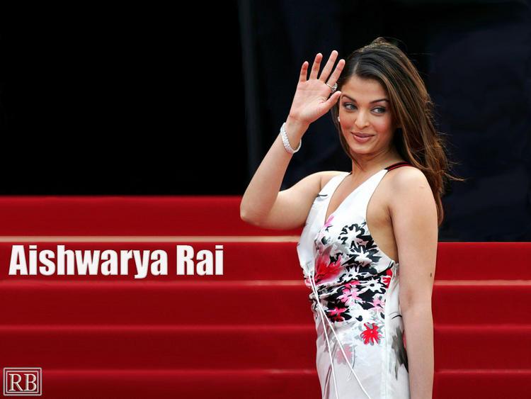 Aishwarya Rai Sweet Sizzling Wallpaper