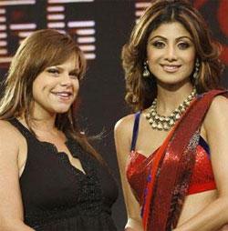 Shilpa Shetty And Jade Goody Smiling Pics