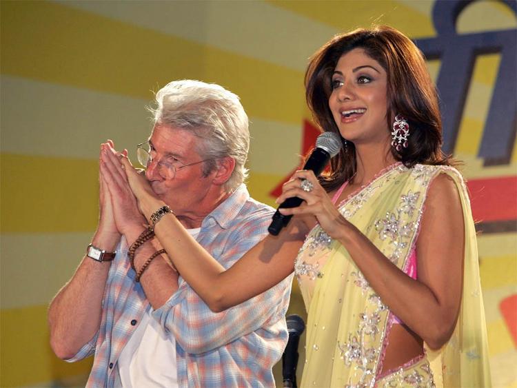 Shilpa Shetty Gets Kissed Richard Gere