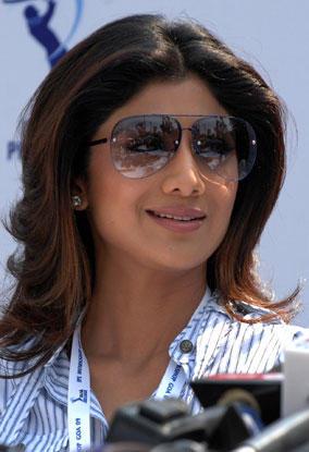 Shilpa Shetty Wearing Goggles Nice Pics