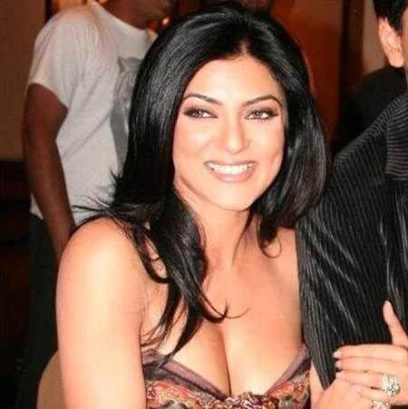 Sushmita Sen Open Boob Show Glamour Still