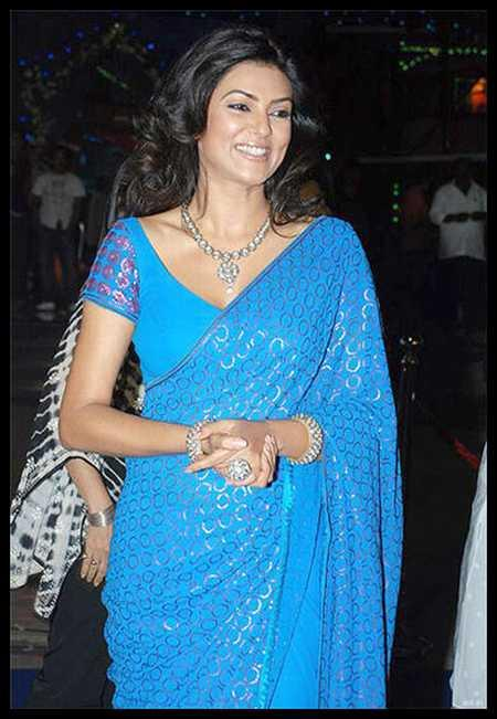 Sushmita Sen Sweet Sexy Still In Teal Color Saree