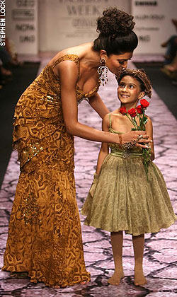 Sushmita Sen Walk With Adopted Daughter Renee