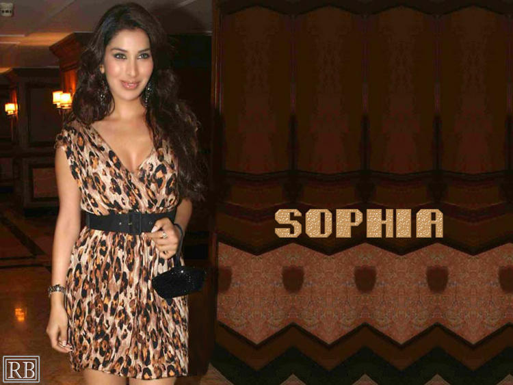 Sophia Chaudhary Glamour Look Wallpaper