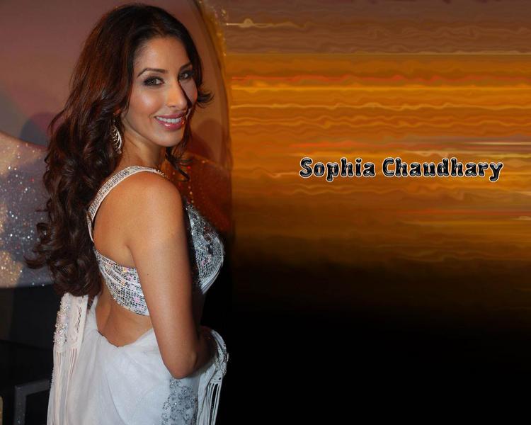 Sophia Chaudhary Sexy Smiling Wallpaper