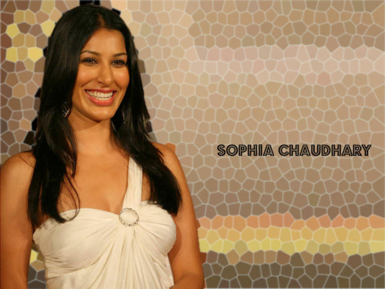 Sophia Chaudhary Smiling Wallpaper