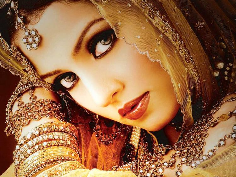 Celina Jaitley Hot Beautiful Look Wallpaper