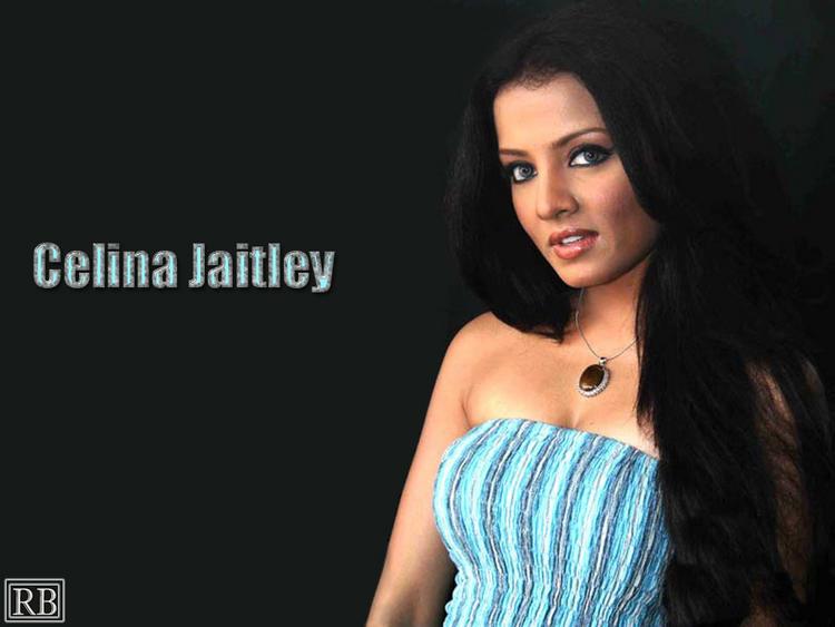 Celina Jaitley Romancing Look Wallpaper