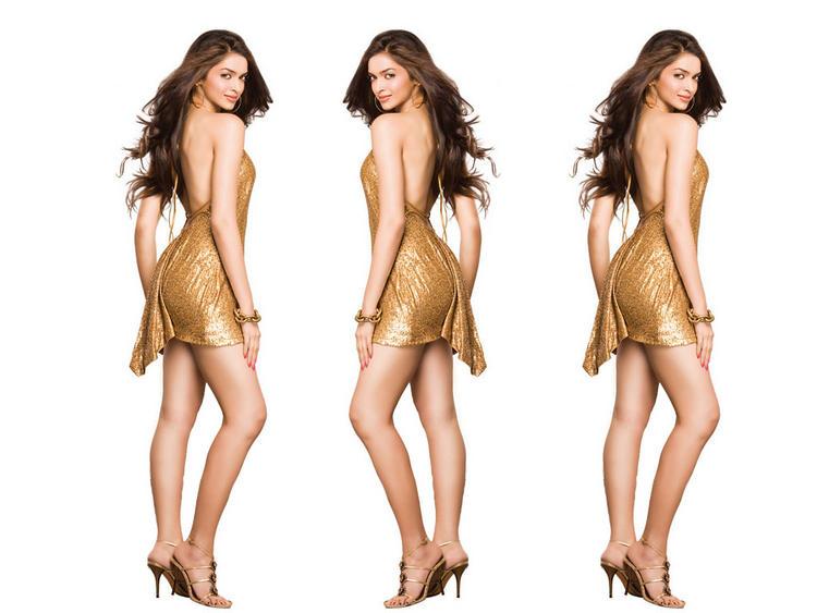 Deepika Padukone Sexy Pose Wallpaper