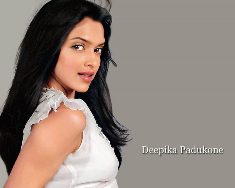 Glorious Deepika Padukone Wallpaper