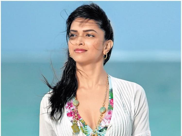 Hot Deepika Padukone Stunning Pic