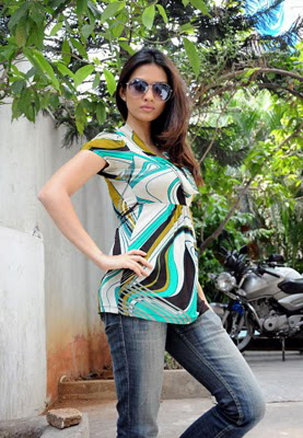 Stylist Gowri Pandit Pic