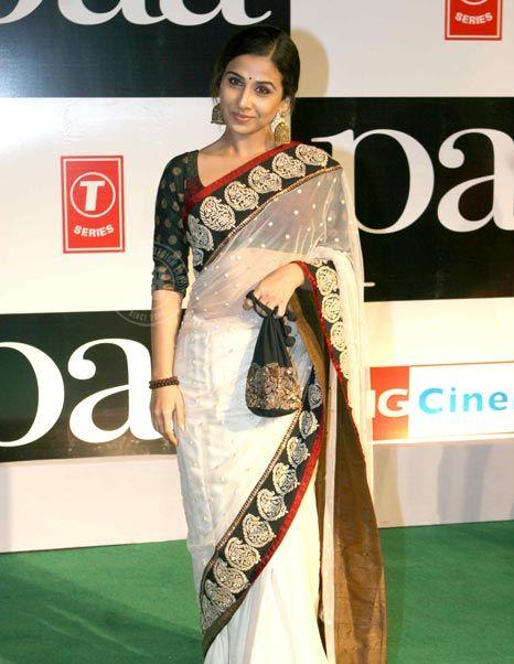 Vidya Balan On Green Carpet at Paa Premiere