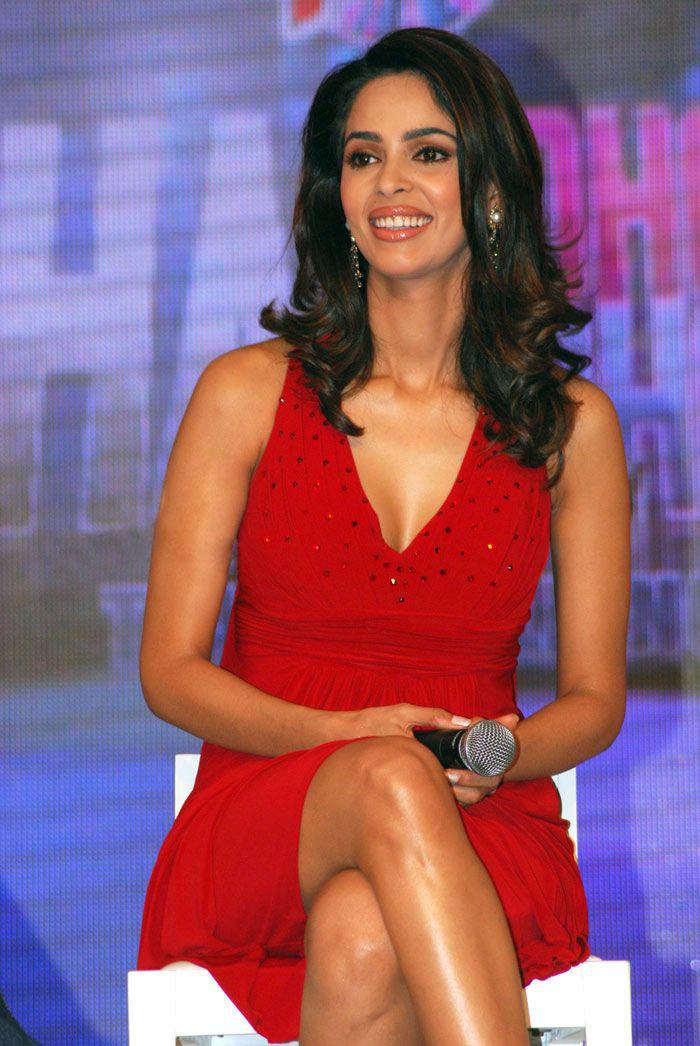 Mallika Sherawat Chak Dhoom Dhoom Season 2 Stills