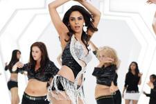 Mallika Sherawat Razia Item Song Sexy Still