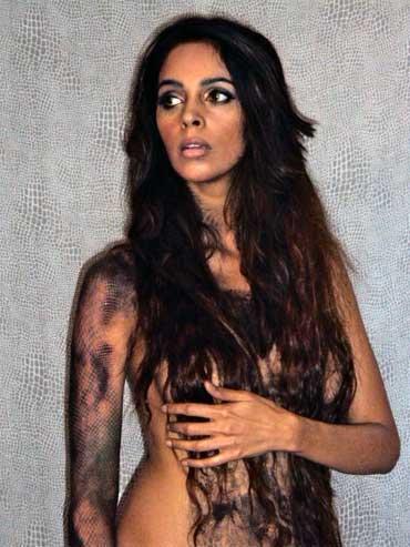 Mallika Sherawat Topless Dress Hot Photo Shoot