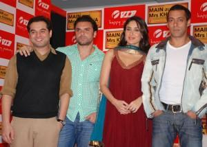 Salman Khan And Kareena Kapoor Promotes Main Aur Mrs Khanna