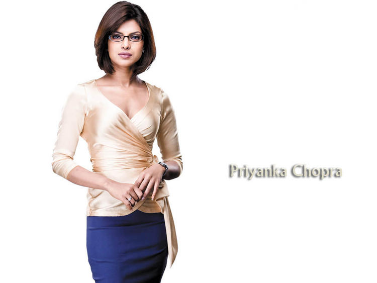 Priyanka Chopra Hot Stylist Wallpaper