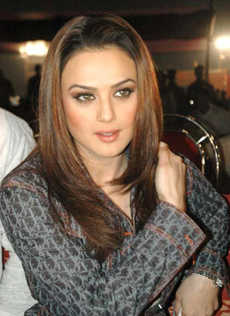 Preity Zinta Brown Hair Gorgeous Pic