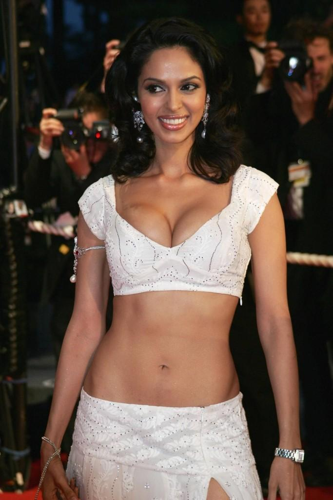 Mallika Sherawat Open Boob Hot Pictures