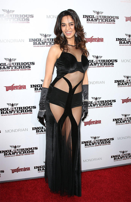 Mallika Sherawat Sexy Dressing Pic