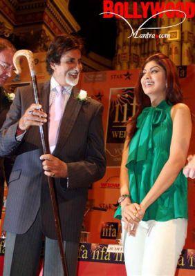 Amitabh Bachchan And Shilpa Shetty In IIFA 2007
