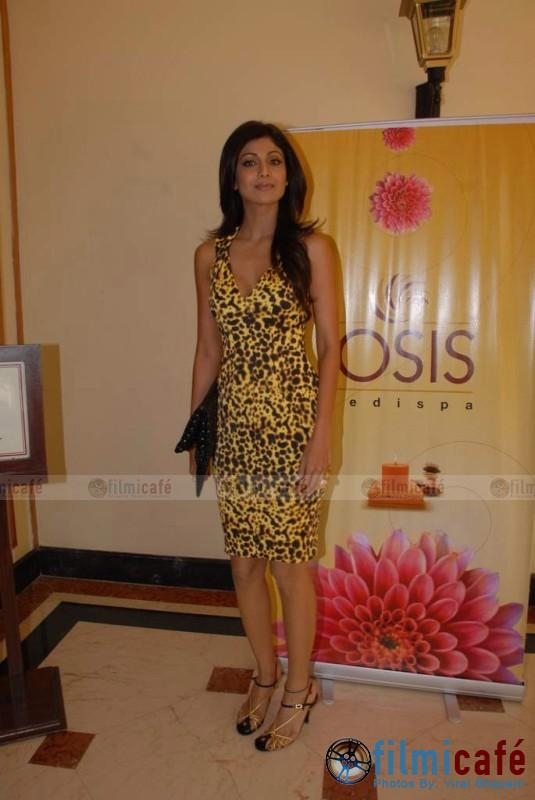 Shilpa Shetty Launches Her Spa Losis