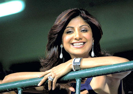 Smiling Shilpa Shetty Cute Face Look Nice Pics