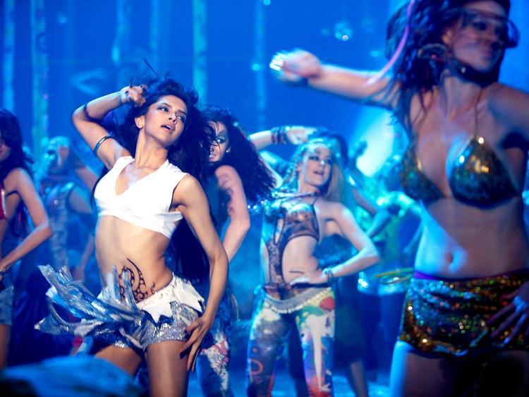 Deepika Padukone Hot Dance Still