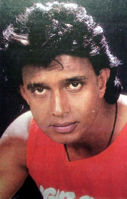 Mithun Chakraborty Romantic Look Photo