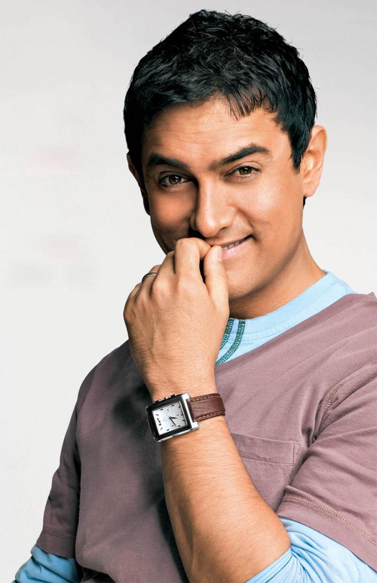 Aamir Khan Smiling Funny Photo