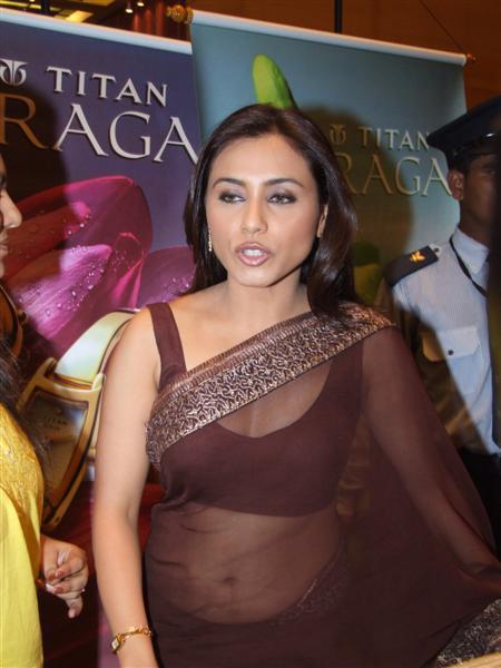 Rani Mukherjee Cute Lips Pic In Transparent Saree