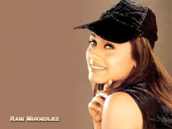 Rani Mukherjee Cute Look Wallpaper Pic