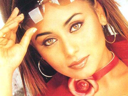 Rani Mukherjee Hot Glazing Eyes Look Still